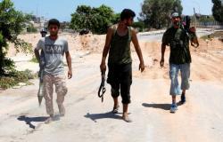 """الجيش الليبي يعلن إصابة أحد """"أكبر قادة الميليشيات"""" في طرابلس"""