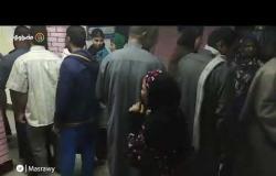 الاستفتاء| زحام علي أحد لجان التصويت ليلآ بمنطقة الهرم