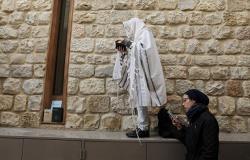 حدث إسرائيلي يكشف سر تشابه حجاب المسلمات واليهوديات والمسيحيات