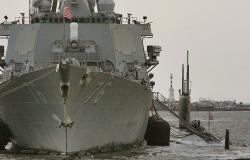 الحرس الثوري الإيراني يبعد قوة من البحرية الإماراتية كانت تسعى لاستعادة سفينة تهريب
