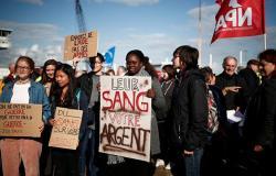 مظاهرة في فرنسا لمنع سفينة من حمل أسلحة إلى السعودية