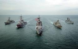 البحرية الأمريكية تؤكد تعرض ناقلتي نفط بخليج عمان لهجوم