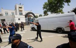 وزيرا المالية والنقل بالجزائر أمام المحكمة في تهم فساد