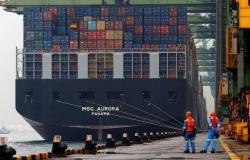 هبوط الصادرات اليابانية للشهر السادس على التوالي
