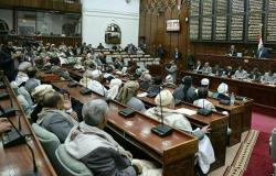 رئيس البرلمان اليمني يلمح إلى تغيير وزراء في الحكومة قريبا