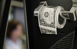 ارتفاع الدولار الأمريكي عالمياً من أدنى مستوى بـ3 أشهر