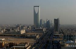 عاصفة ترابية في السعودية تتسبب في تحطم السيارات والمباني (فيديو+صور)