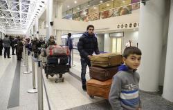 بالفيديو... اعتقالات في مطار بيروت بسبب الشغب