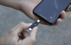 إطلاق أول مفتاح أمان لأجهزة آيفون بمنفذ Lightning
