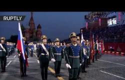 """شاهد.. التحضيرات الأخيرة لفرق عسكرية موسيقية قبيل انطلاق مهرجان """"سباسكايا باشنيا"""" في موسكو"""
