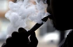 السعودية تعلق على أول حالة وفاة بسبب السجائر الإلكترونية