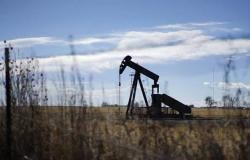 محدث.. أسعار النفط تقفز 10% بعد الهجوم على أرامكو