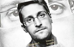 الحكومة الأمريكية تقاضي إدوارد سنودن بسبب مذكراته