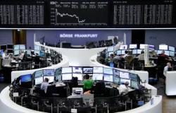 انخفاض الأسهم الأوروبية بالمستهل قبيل إعلان بيانات اقتصادية