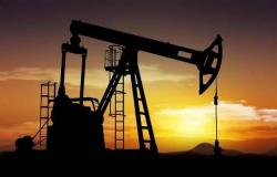 صعود أسعار النفط في ترقب بيانات المخزونات الأمريكية