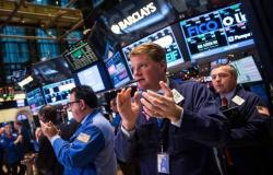 محدث.. الأسهم الأمريكية تسجل أكبر تراجع يومي في شهر