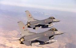 مقاتلتان تركيتان تحلقان فوق الأجواء السورية