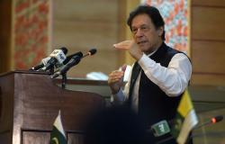 وكالة: عمران خان يتوجه إلى إيران بطلب سعودي حاملا مبادرة جديدة لحل الخلاف