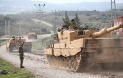 """الجيش التركي و""""الجيش السوري الحر"""" يجتازان الحدود السورية"""