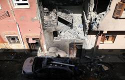 حكومة الوفاق: قتلى وجرحى مدنيين في طرابلس بقصف لطيران الجيش الليبي