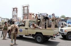 """الحكومة اليمنية تنفي توقيع اتفاق مع """"المجلس الانتقالي"""" وتوجه رسالة إلى السعودية"""