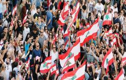 حكومة لبنان تتبنى ميزانية خالية من ضرائب جديدة وتجتمع الثلاثاء لإيجاد مخرج من الأزمة