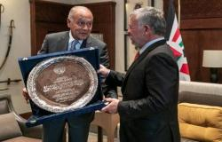 بالصور : الجامعة العربية تمنح الملك عبدالله الثاني درع العمل التنموي