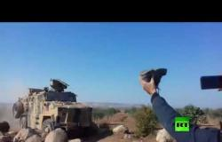 أكراد يرشقون  دورية تركية  بالحجارة