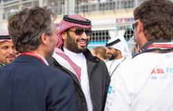 """صور.. ولي عهد السعودية يشهد انطلاق """"فورمولا إي"""" الدرعية للسيارات"""