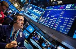 الأسهم الأمريكية تهبط بالمستهل مع ترقب تطورات اقتصادية
