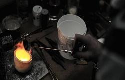 البلاديوم يرتفع لمستوى قياسي أعلى 1900 دولار