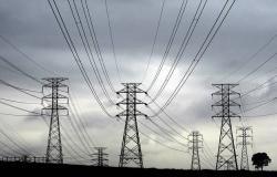 السعودية..تعديل إجراءات الترخيص لمزوالة أنشطة أبرزها توزيع الكهرباء وتحلية المياه
