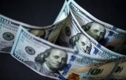 الدولار الأمريكي يتراجع عالمياً لأدنى مستوى منذ يونيو