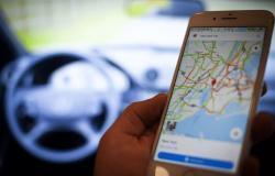 كيف يمكنك الإبلاغ عن الحوادث وحالة المرور عبر تطبيق خرائط جوجل؟