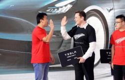 ثغرة أمنية في ويندوز 10 وتيسلا تتخطى قيمة فورد وجنرال موتورز معًا والمزيد
