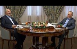 الرئيس بوتين يقدم العصيدة بالماء لنظيره البيلاروسي