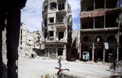 سوريا.. العثور على عشرات الجثث في مقبرة جماعية بدوما (صور)