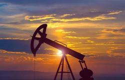 أسعار النفط ترتفع 1% مع ترقب بيانات المخزونات الأمريكية