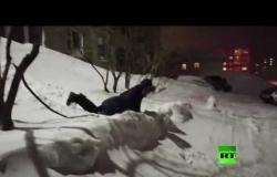 تزلج من شباك المنزل!