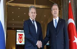 وزارة الدفاع الروسية: شويغو يبحث مع نظيره التركي الوضع في إدلب