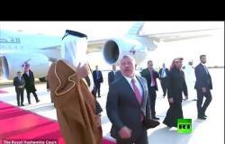 العاهل الأردني يستقبل أمير قطر في مطار الملكة علياء الدولي