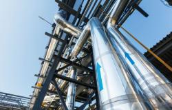 """شركتان إيطالية وإسبانية توقعان اتفاقا لاستئناف عمليات """"إسالة الغاز"""" في مصر"""