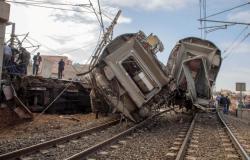 إصابة 36 مصريا في حادث انقلاب قطار