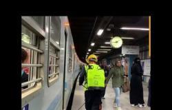 """رئيس محطة مترو الشهداء :""""لا يوجد تزاحم ونعمل حتى ميعاد الحظر """""""