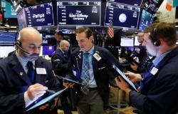 الأسهم الأمريكية تتراجع بالمستهل بعد طلبات قياسية لإعانة البطالة