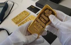 محدث.. الذهب يرتفع 46 دولاراً عند التسوية بعد بيانات اقتصادية