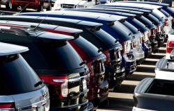 مبيعات السيارات في السوق الأمريكي تتراجع 27% خلال مارس
