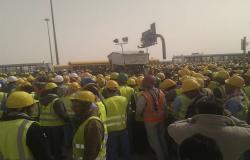 """الموارد البشرية السعودية: لا يحق إنهاء عقود العاملين بسبب """"الظروف القاهرة"""""""
