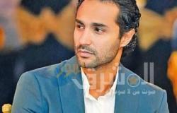 """كريم فهمي يهنئ احمد فهمي وأكرم حسني على """"رجالة البيت"""""""
