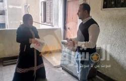 مدير مستشفى التضامن ببورسعيد يوزع العلاج الشهري على المرضى بمنازلهم